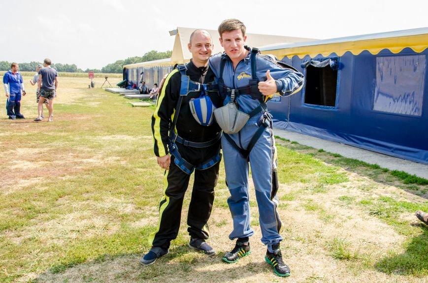 Бойцы, получившие тяжелейшие ранения в АТО, впервые прыгнули с парашютом (ФОТО), фото-23