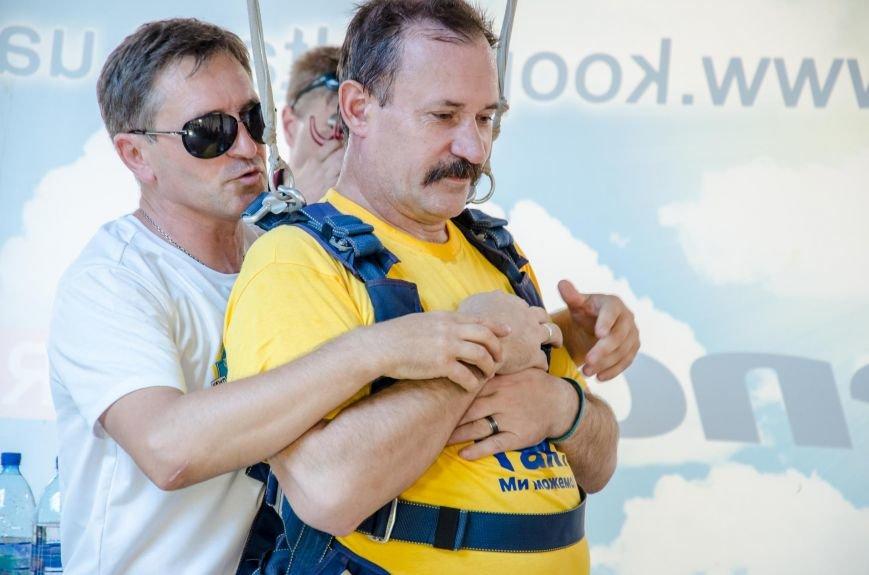 Бойцы, получившие тяжелейшие ранения в АТО, впервые прыгнули с парашютом (ФОТО), фото-20