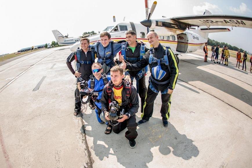 Бойцы, получившие тяжелейшие ранения в АТО, впервые прыгнули с парашютом (ФОТО), фото-14