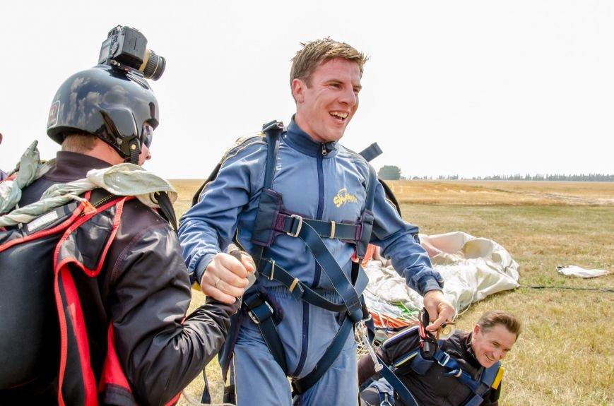 Бойцы, получившие тяжелейшие ранения в АТО, впервые прыгнули с парашютом (ФОТО), фото-28