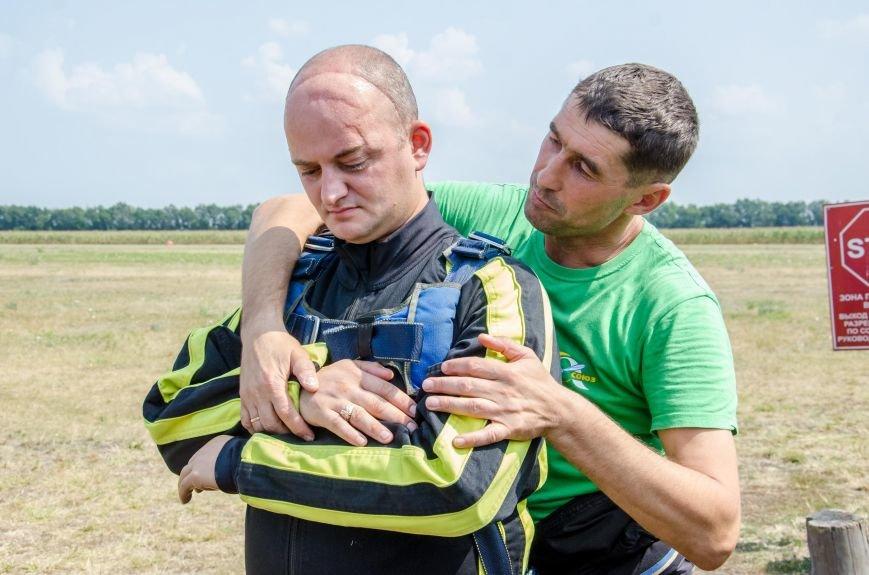 Бойцы, получившие тяжелейшие ранения в АТО, впервые прыгнули с парашютом (ФОТО), фото-22