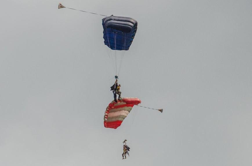 Бойцы, получившие тяжелейшие ранения в АТО, впервые прыгнули с парашютом (ФОТО), фото-8