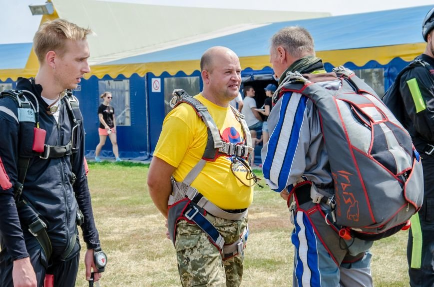 Бойцы, получившие тяжелейшие ранения в АТО, впервые прыгнули с парашютом (ФОТО), фото-6