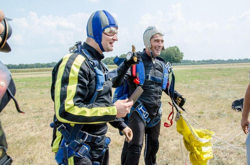 Бойцы, получившие тяжелейшие ранения в АТО, впервые прыгнули с парашютом (ФОТО), фото-26