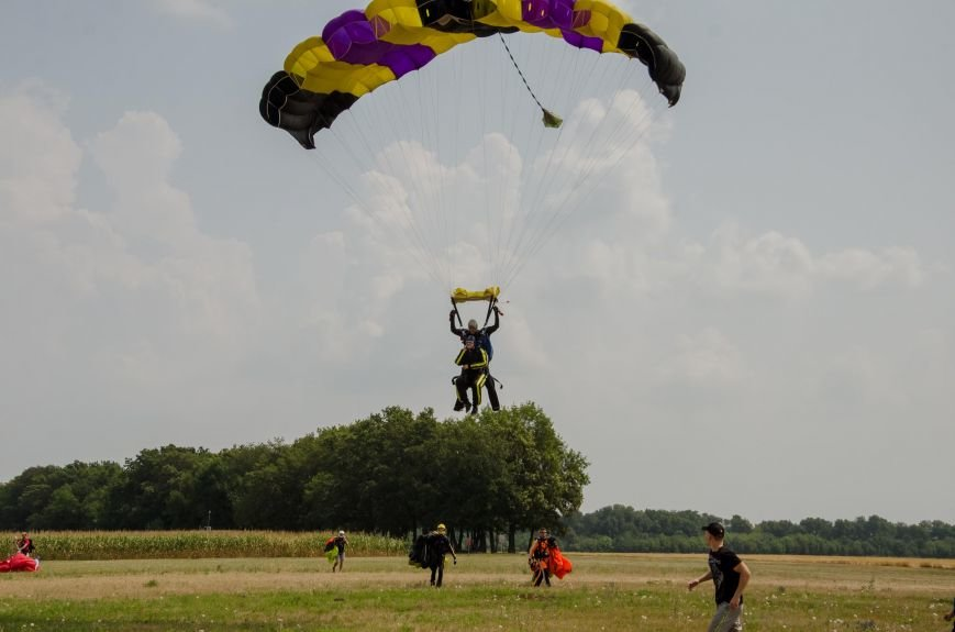 Бойцы, получившие тяжелейшие ранения в АТО, впервые прыгнули с парашютом (ФОТО), фото-24