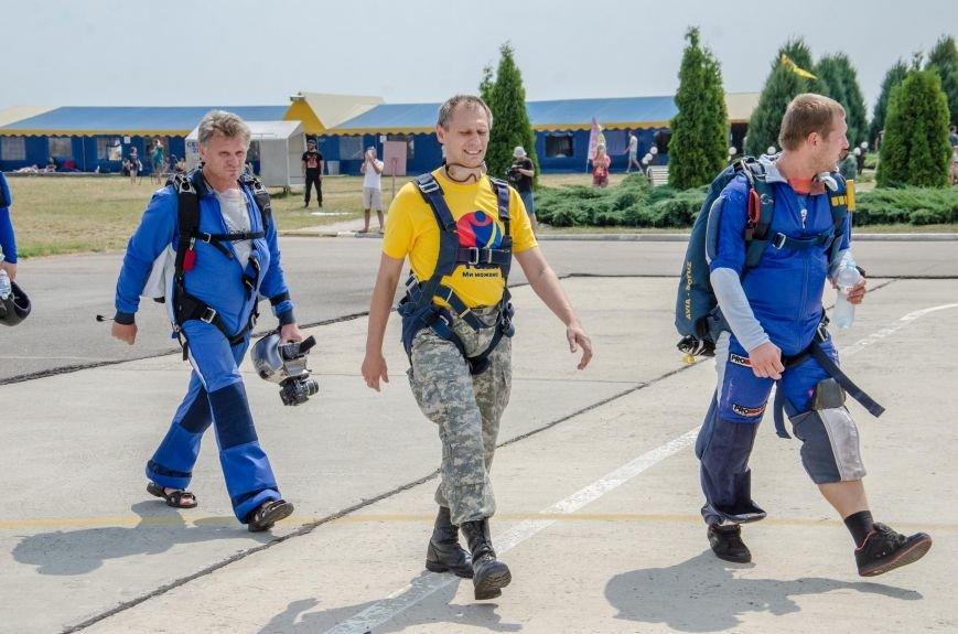 Бойцы, получившие тяжелейшие ранения в АТО, впервые прыгнули с парашютом (ФОТО), фото-7