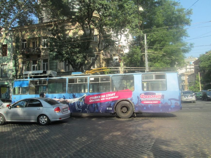В центре Одессы не курсируют троллейбусы (ФОТО), фото-1