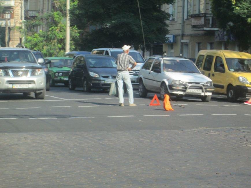 В центре Одессы не курсируют троллейбусы (ФОТО), фото-2