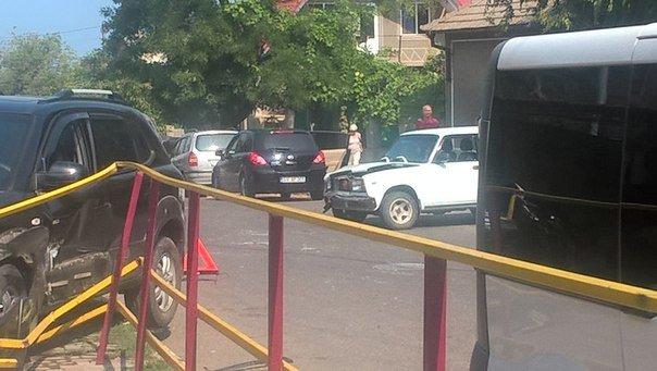 Под Одессой иномарка разворотила ограждение тротуара (ФОТО), фото-3