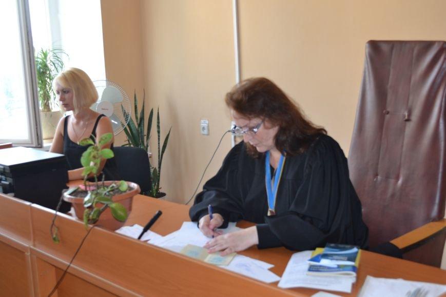 Суд обязал депутата Юлия Морозова не выезжать из Кривого Рога и ограничил в праве управления автомобилем (ФОТО), фото-17