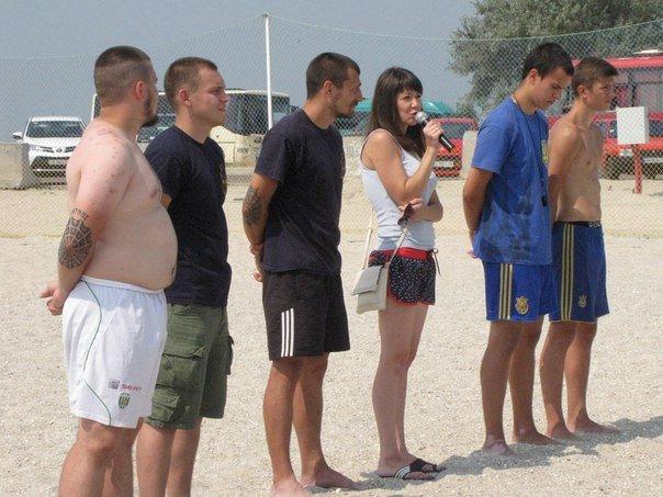 В память о погибшем бойце полка «Азов» из Бердянска его побратимы провели турнир по пляжному футболу, фото-10