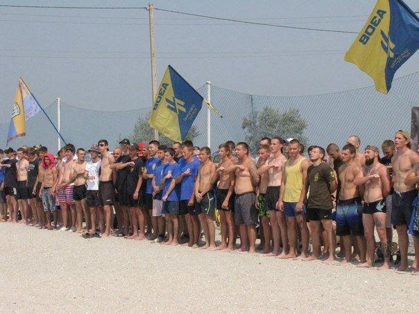 В память о погибшем бойце полка «Азов» из Бердянска его побратимы провели турнир по пляжному футболу, фото-3