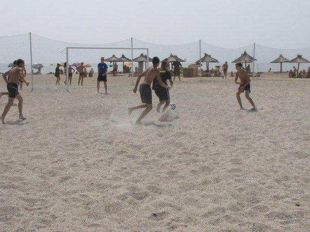 В память о погибшем бойце полка «Азов» из Бердянска его побратимы провели турнир по пляжному футболу, фото-8