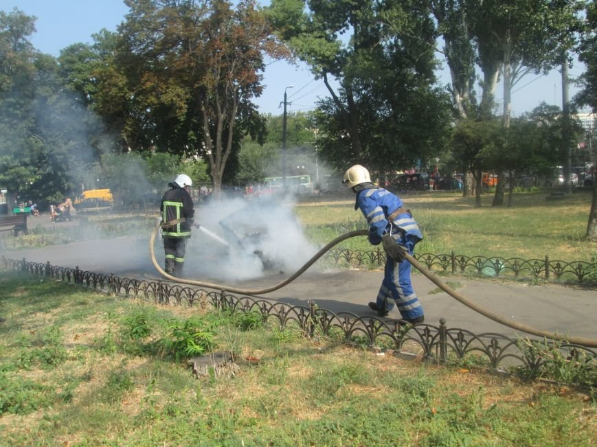 Недобросовестные люди заставили одесских пожарных попотеть (ФОТО), фото-3