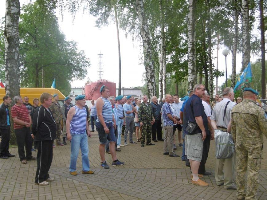 Фотофакт. Ветераны-десантники совершили автопробег по памятным местам Полоцка и Новополоцка, фото-2