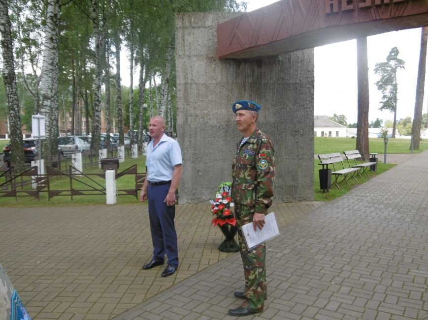 Фотофакт. Ветераны-десантники совершили автопробег по памятным местам Полоцка и Новополоцка, фото-1