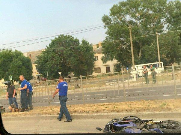 На проспекте Победы Симферополя сбили мотоциклиста (ФОТО), фото-1