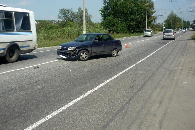 Под Белгородом водитель «Нивы» протаранил «Рено», фото-2