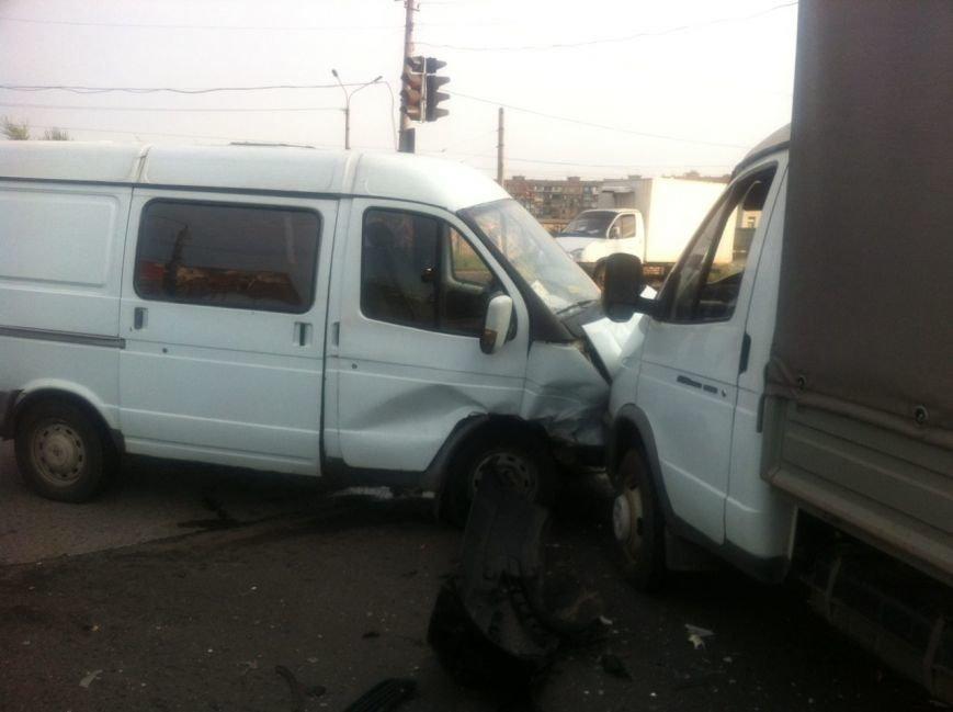 Тройное ДТП в Кривом Роге: Жизнь водителю иномарки спасла подушка безопасности, фото-2