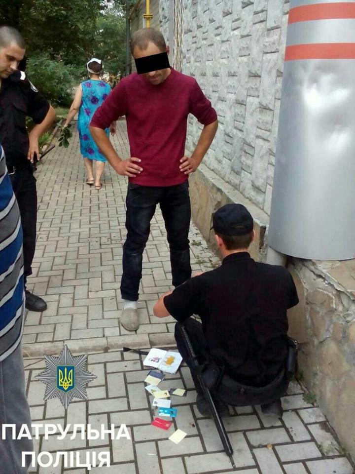В Кропивницком мужчина пытался совершить кражу из иномарки (ФОТО), фото-2