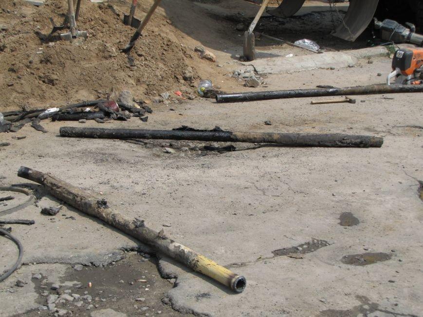 В Мелитополе МАФы никак не хотят убрать с газопроводов (фото, видео), фото-3