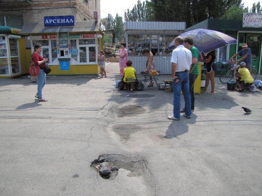 В Мелитополе МАФы никак не хотят убрать с газопроводов (фото, видео), фото-6