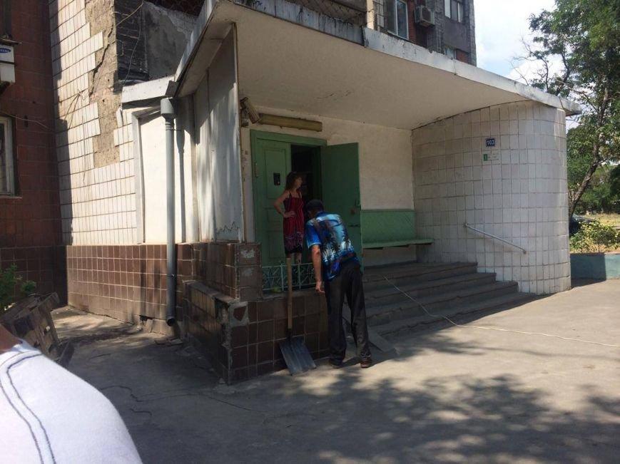 """В центре Мариуполя  на пр. Мира дом дождался """"Уютного дворика""""( Фотофакт), фото-6"""