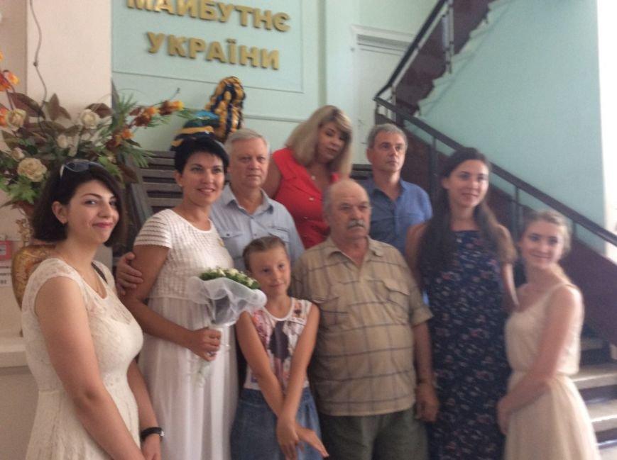 Мариуполь превратился в Лас-Вегас: состоялась самая массовая и скорая свадьба года (ФОТО+ВИДЕО), фото-12