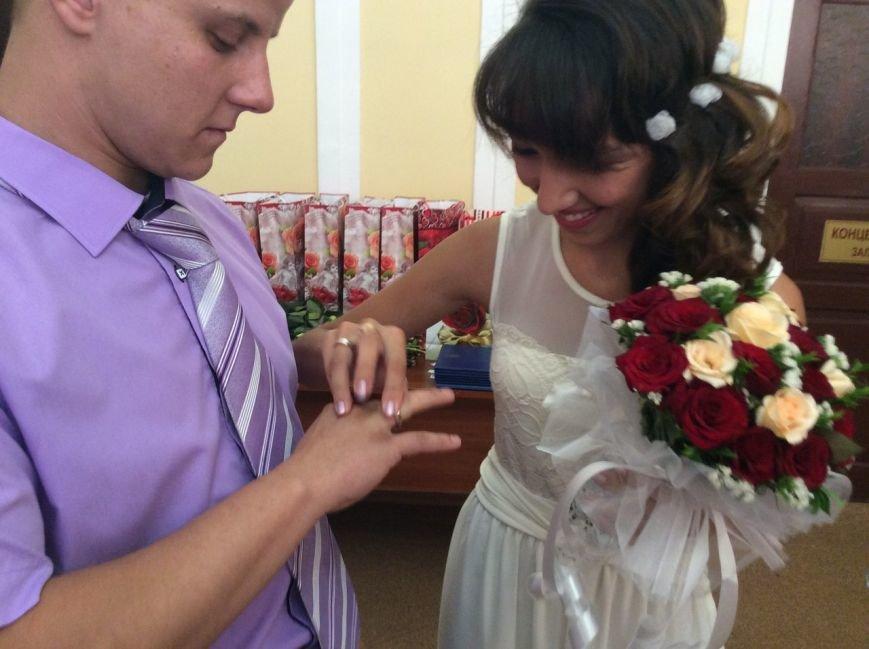 Мариуполь превратился в Лас-Вегас: состоялась самая массовая и скорая свадьба года (ФОТО+ВИДЕО), фото-2