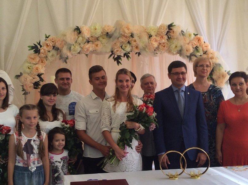 Мариуполь превратился в Лас-Вегас: состоялась самая массовая и скорая свадьба года (ФОТО+ВИДЕО), фото-16