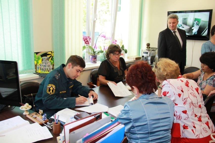 Готовность гимназии № 2 к новому учебному году проверили в Южно-Сахалинске, фото-1