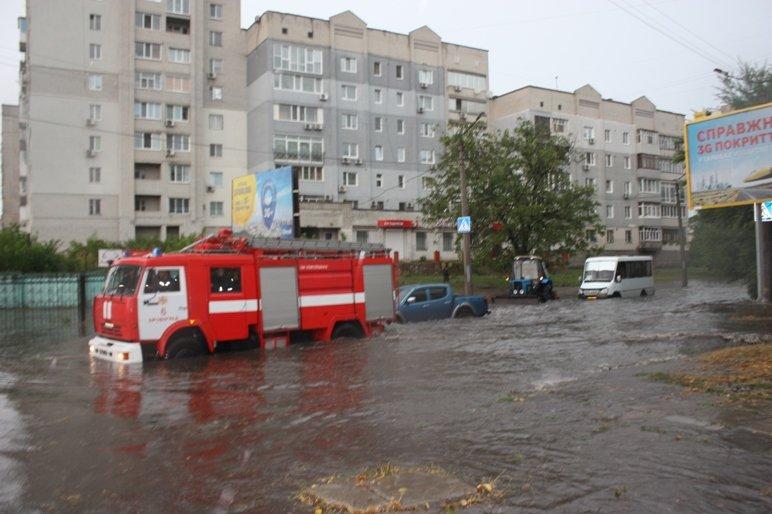 В Кропивницком из воды вытягивали маршрутку (ФОТО), фото-1