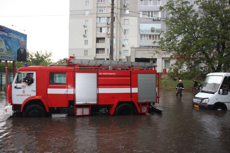 В Кропивницком из воды вытягивали маршрутку (ФОТО), фото-2