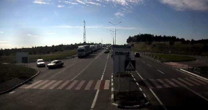 На украинско-польской границе стоят сотни автомобилей (ФОТО), фото-1