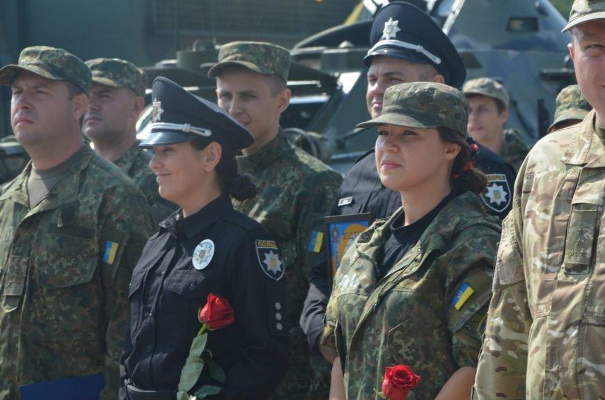 В Мариуполе отмечают первую годовщину Национальной полиции Украины (ФОТО+ВИДЕО), фото-1