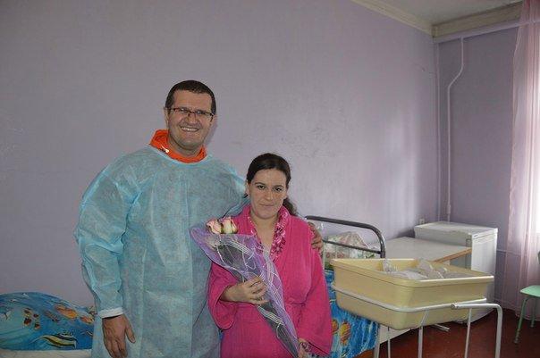 Семья Салимовых с новорожденным Амирагой