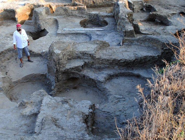 Древнейшие оборонительные урепления Фанагории