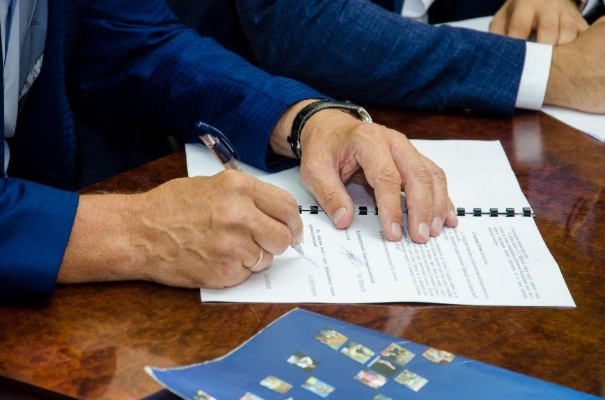 3_ Наступний етап - підписання угоди з Ощадбанком про виготовлення електронних карток