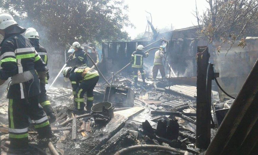 В Мариуполе на пожаре в бараке пострадал 55-летний местный житель  (ФОТО), фото-3