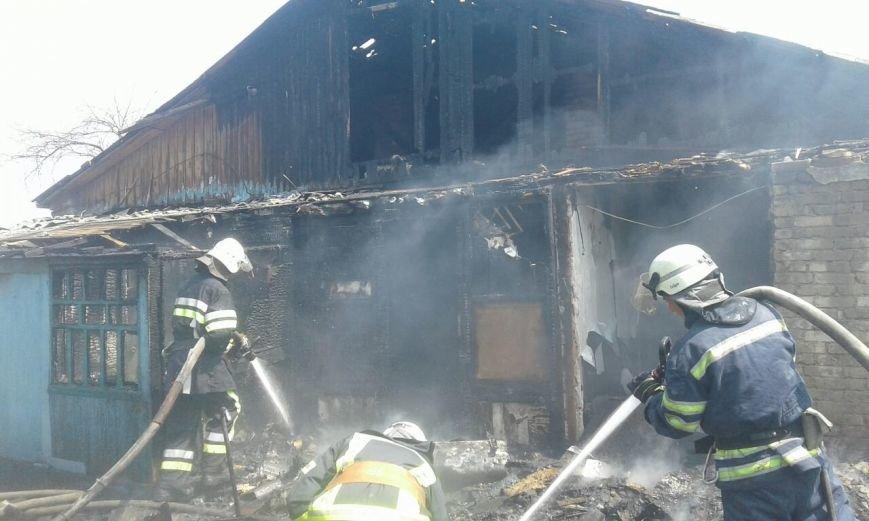 В Мариуполе на пожаре в бараке пострадал 55-летний местный житель  (ФОТО), фото-4