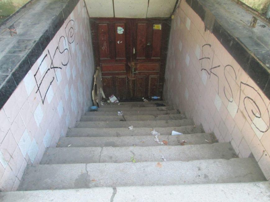 Одесская улица напомнит туристу вид мусорной свалки (ФОТО), фото-6