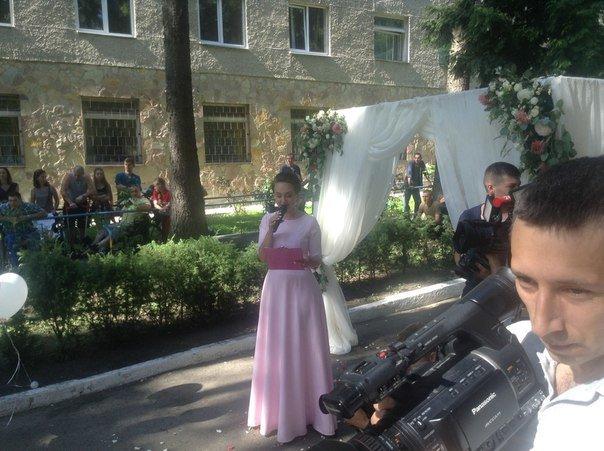 Весілля у шпиталі: у Львівському військовому госпіталі одружився паралізований учасник АТО (ФОТО+ВІДЕО), фото-1