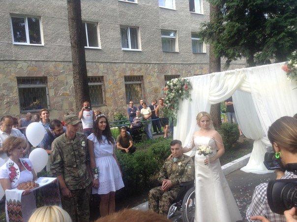 Весілля у шпиталі: у Львівському військовому госпіталі одружився паралізований учасник АТО (ФОТО+ВІДЕО), фото-2