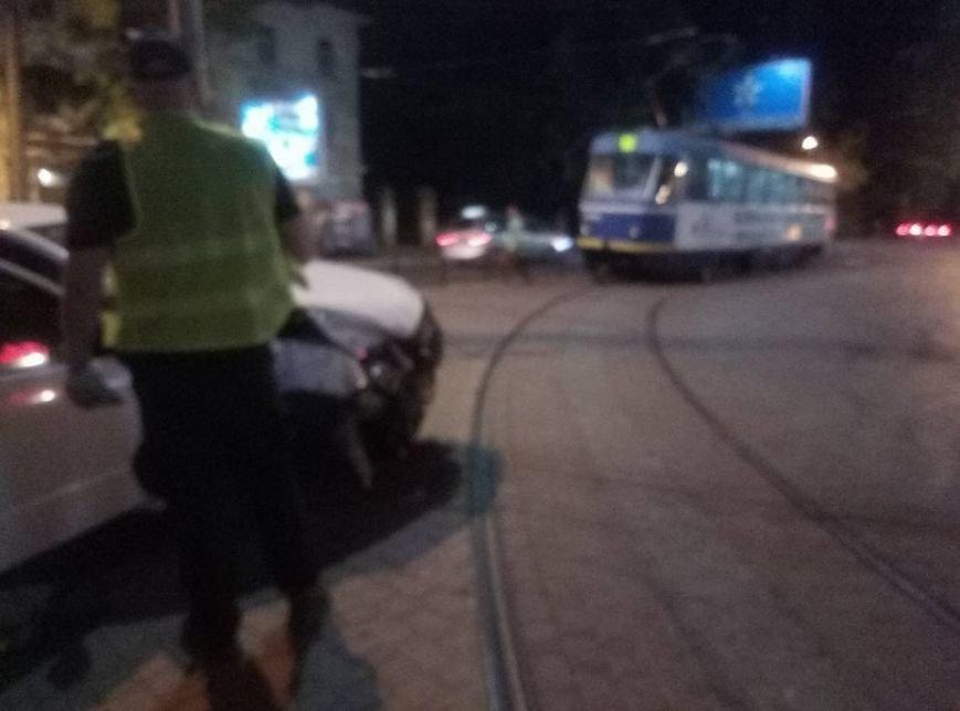 """Около одесского """"Палладиума"""" таксист устроил лобовую аварию (ФОТО), фото-1"""