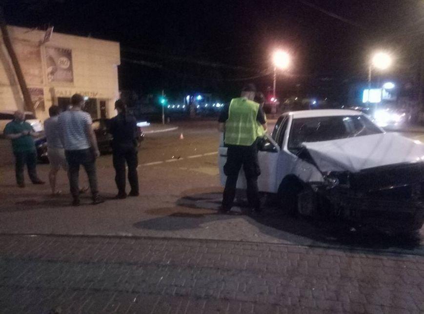 """Около одесского """"Палладиума"""" таксист устроил лобовую аварию (ФОТО), фото-4"""