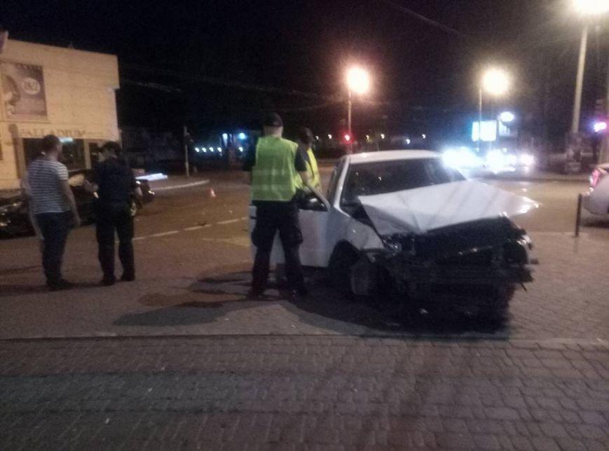 """Около одесского """"Палладиума"""" таксист устроил лобовую аварию (ФОТО), фото-5"""