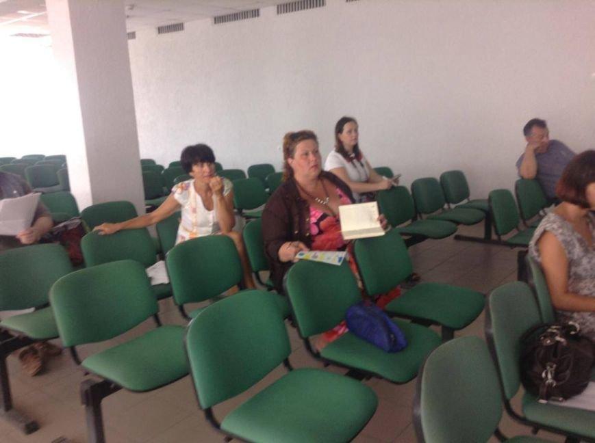 """В  """"Мариупольтеплосети"""" ингнорировали вопросы журналистов (ФОТО, ВИДЕО), фото-3"""