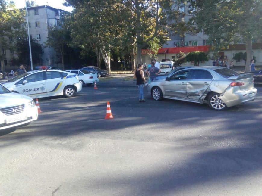 В Одессе полицейские попали в аварию (ФОТО), фото-1