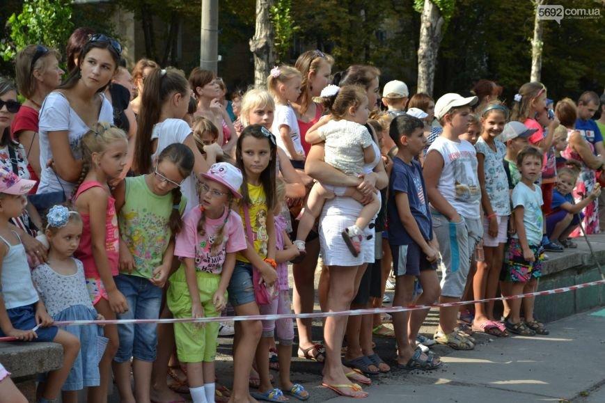 В центре Каменского открыли детскую площадку, фото-1