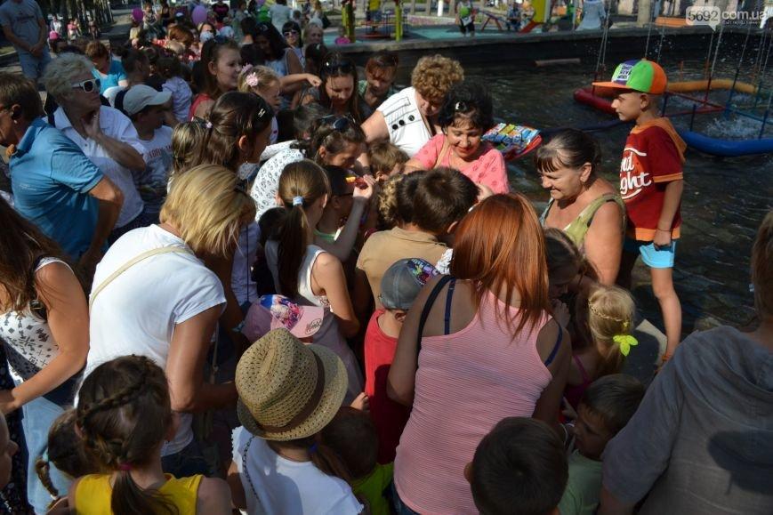 В центре Каменского открыли детскую площадку, фото-6